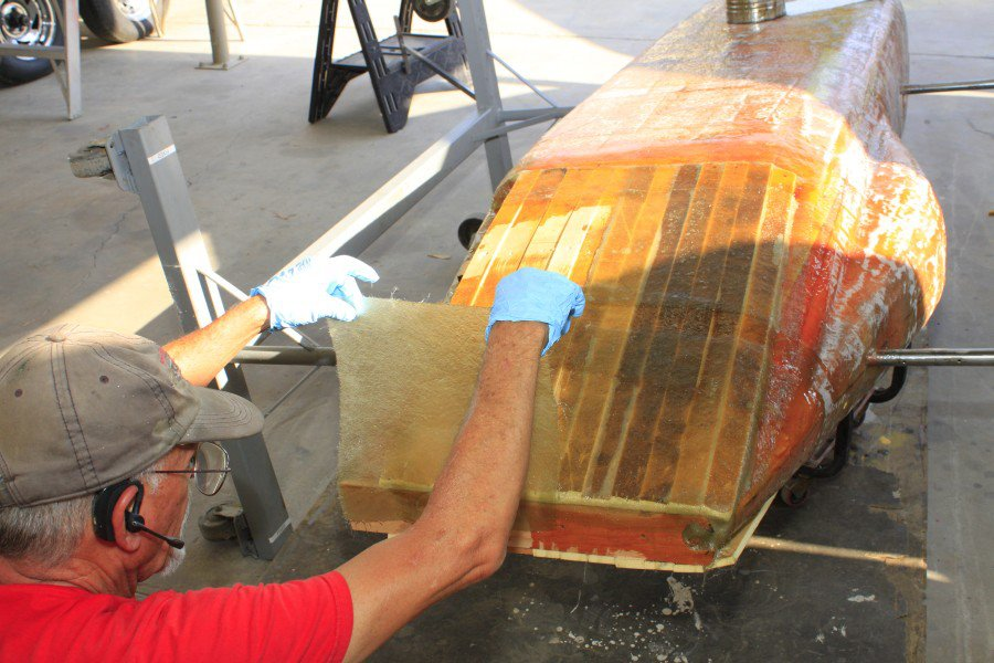 2012-07-31 03 body tooling fiberglassing tail section.jpg
