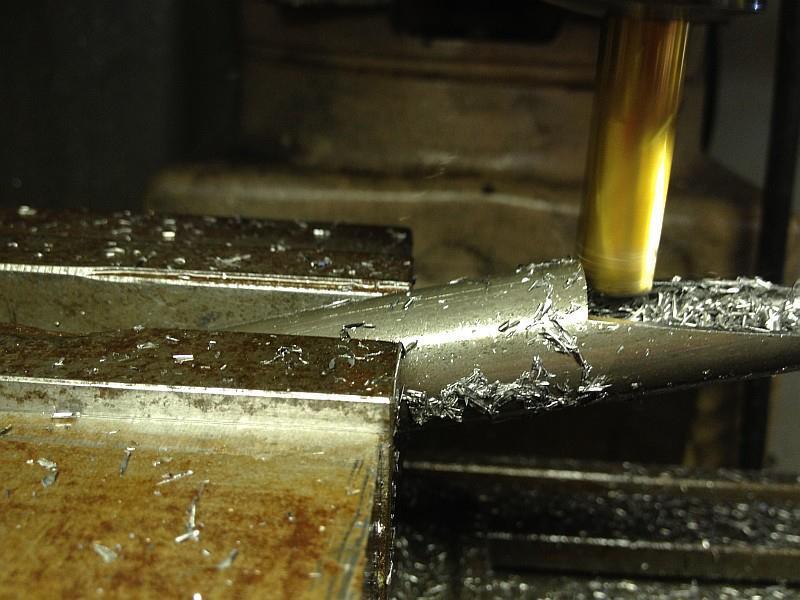 2012-09-06 03 streamliner subframe fork narrow stanchion.jpg