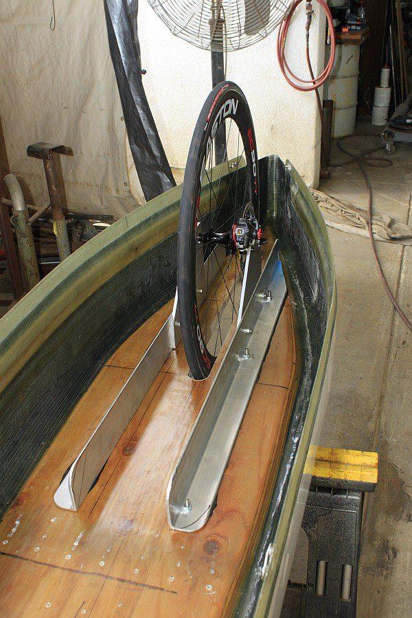 2012-09-09 14 streamliner rear wheel mount.jpg
