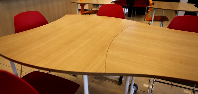 """Bylgja""  Table and Lauf chairs in action"