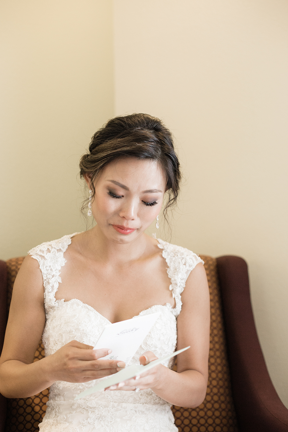 bride getting ready photos from wedding at eagle vines golf club in napa california