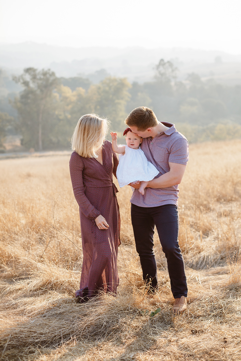 Family session in the rolling hills of Palo Alto, California.