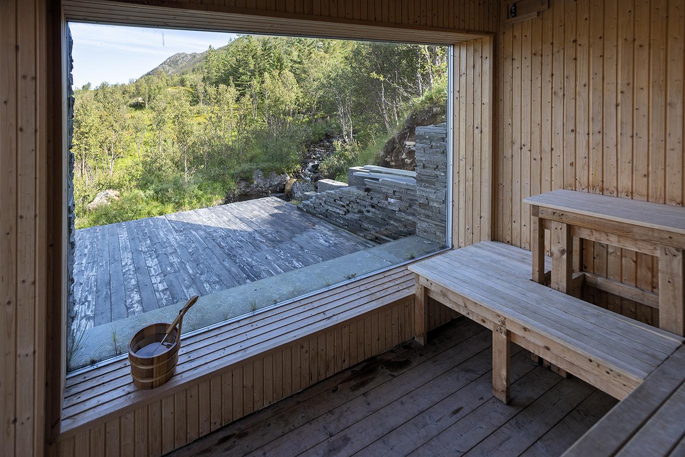 UTSIKT: Sikkert godt å slappe av her etter en lang dag med opplevelser på Seiland.