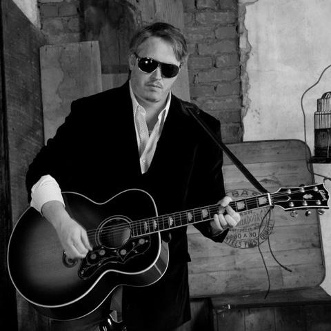 Daniel Hutchens — May 10, 2014 — Red Light Café, Atlanta, GA