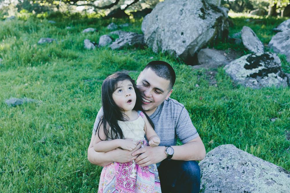 MARIA_VILLANO_FAMILY_PHOTO_SANTA_ROSA_TAYLOR_MOUNTAIN