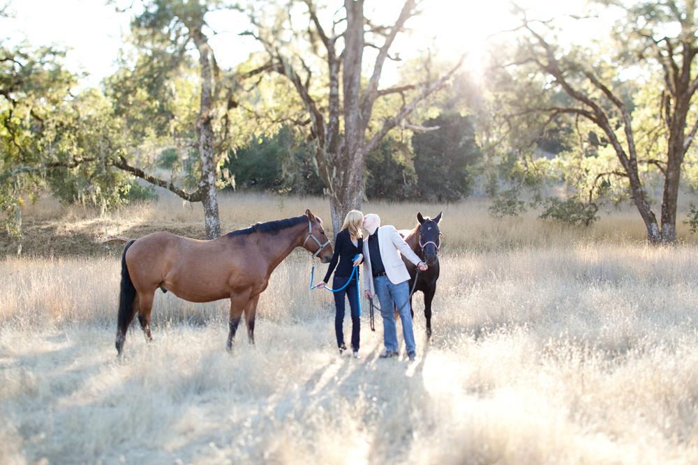 MARIA_VILLANO_HEALDSBURG_ENGAGEMENT_HORSES.jpg