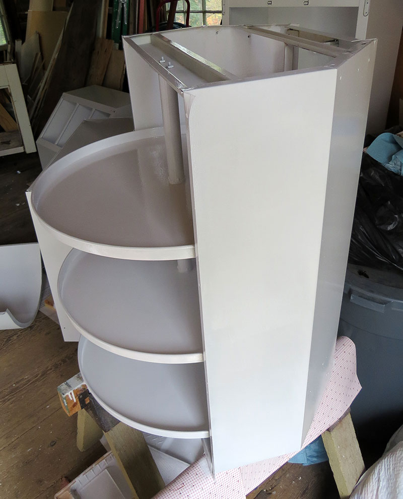 The inside of the lazy-susan, all painted