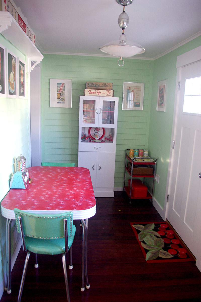 The final view of the converted porch breakfast nook.