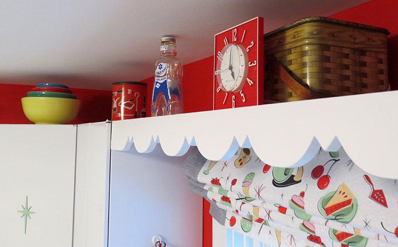 Scalloped Display Shelf