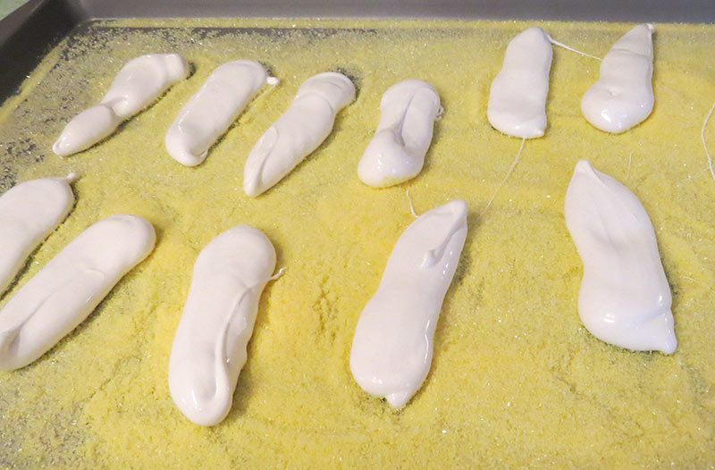 The piped Peep bodies