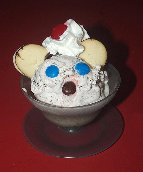 One of the final Kookie Kat Sundaes