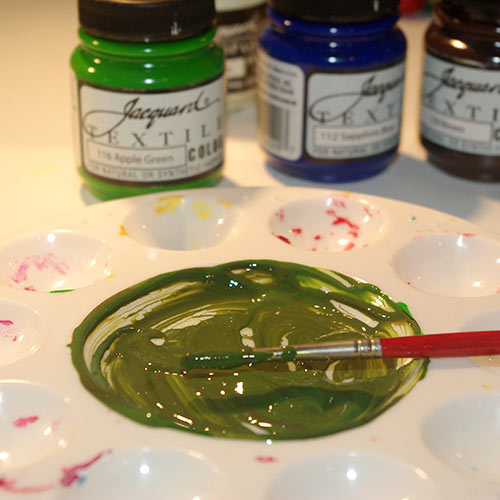 Mixing the green paint for the stems