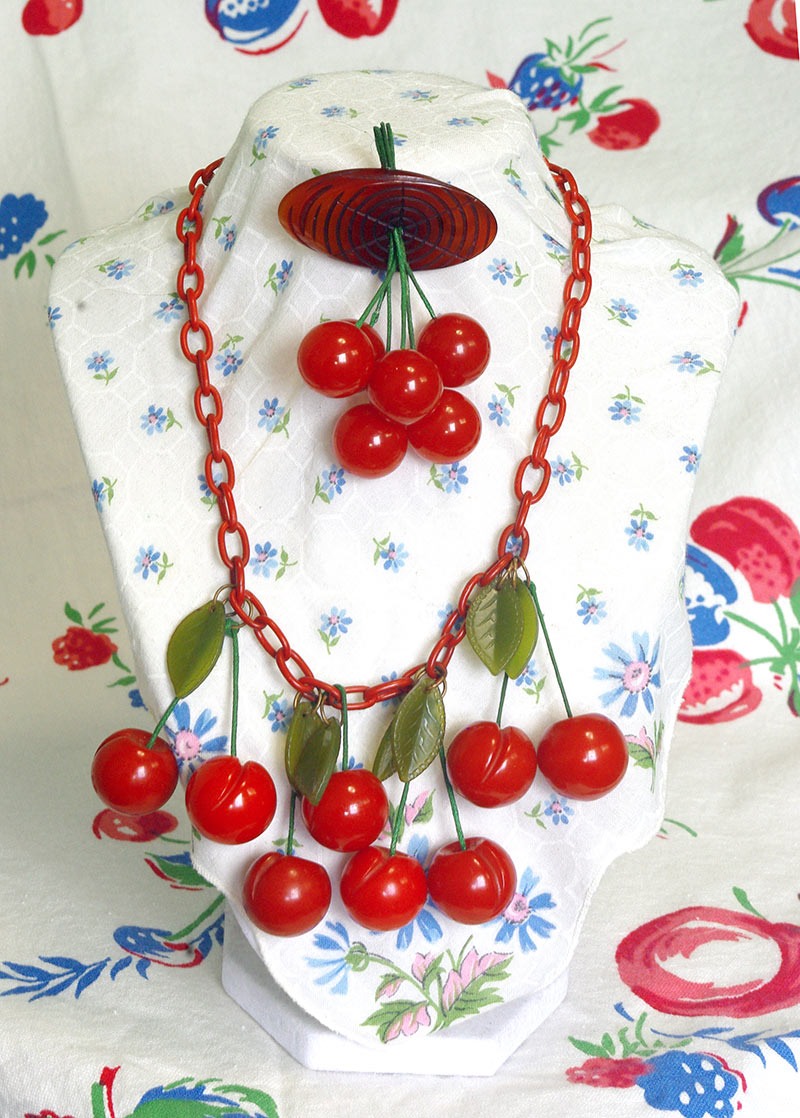 The final brooch and necklace