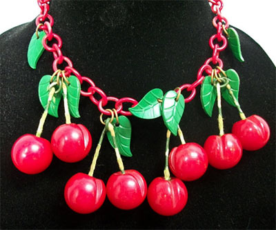 An example of the  cherry necklace .