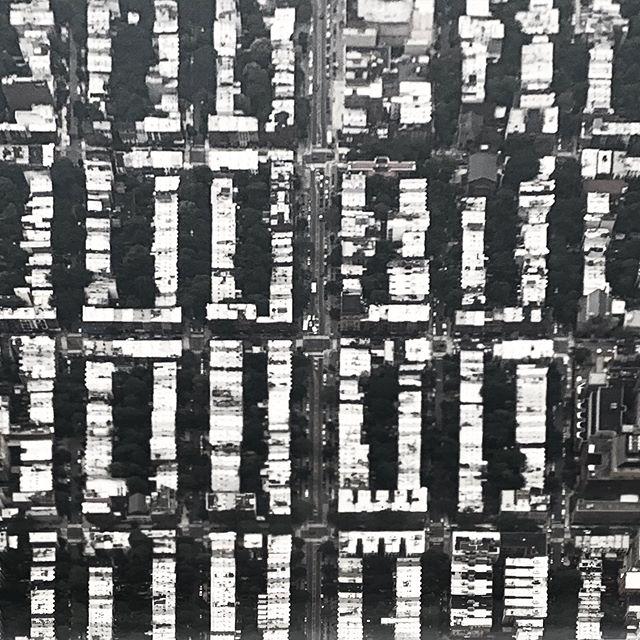 Blocklyn #brooklyn #lookdown #fromtheplane #urbangrid #brownstones #blackandwhite #urbanplanning #planview
