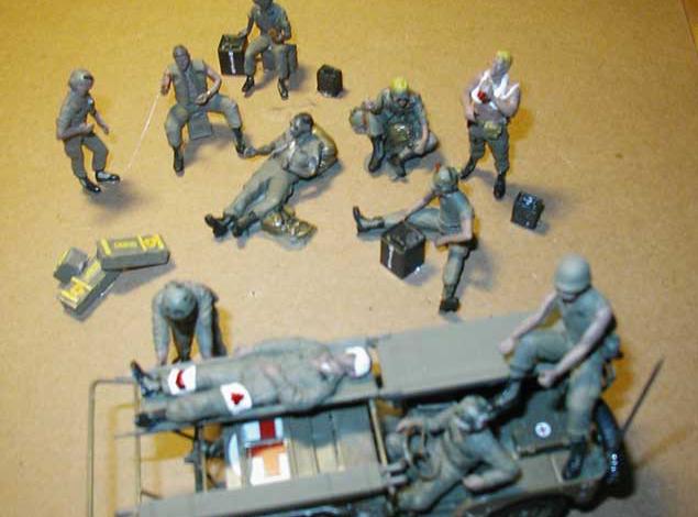 Vietnam-Diorama.-Soldiers-chillin1.jpg