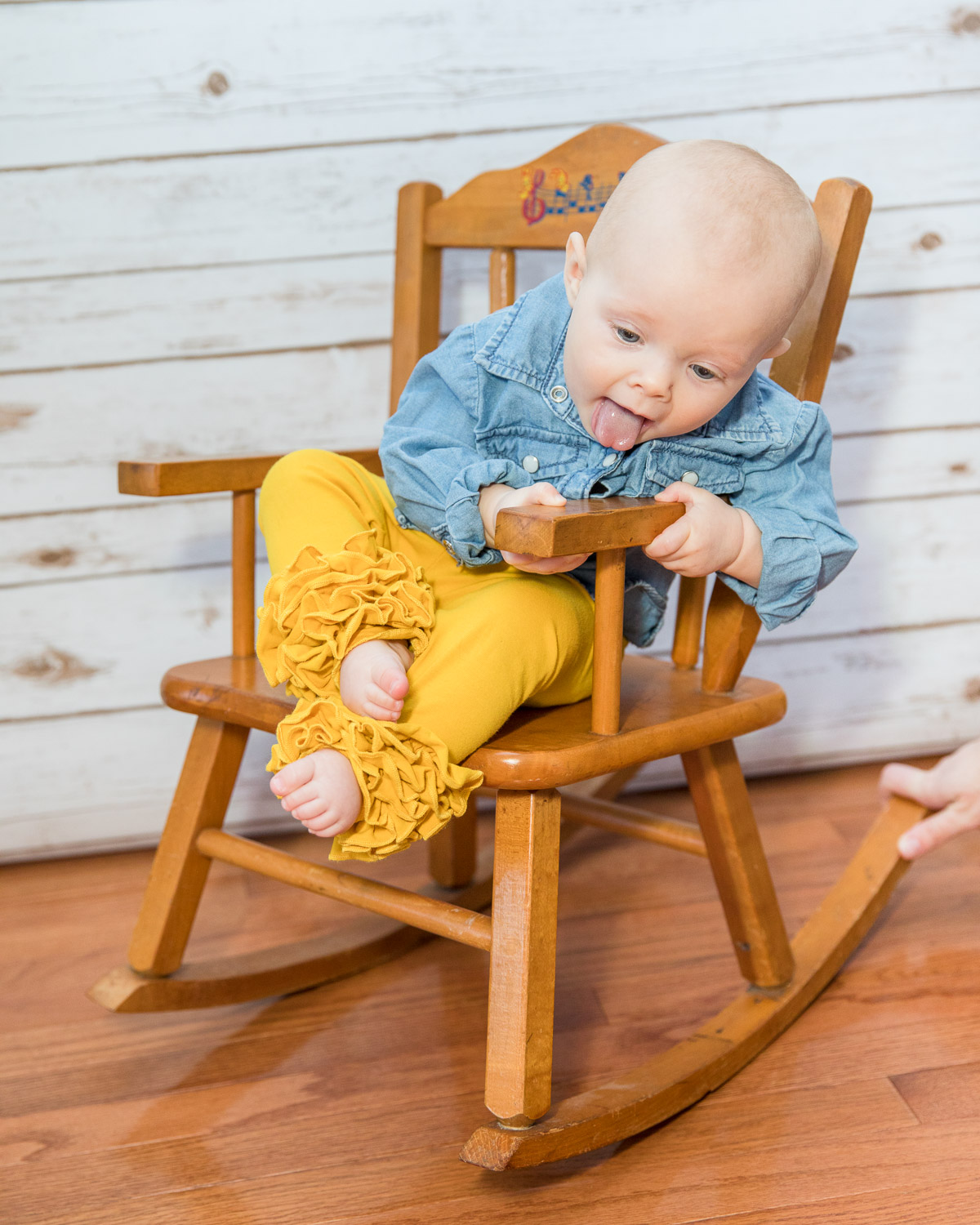 """""""Fine, then I'll just eat this chair."""""""