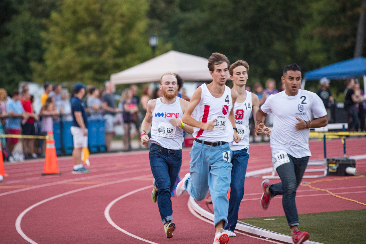 Men's competitors in the Raleigh Denim Mile.