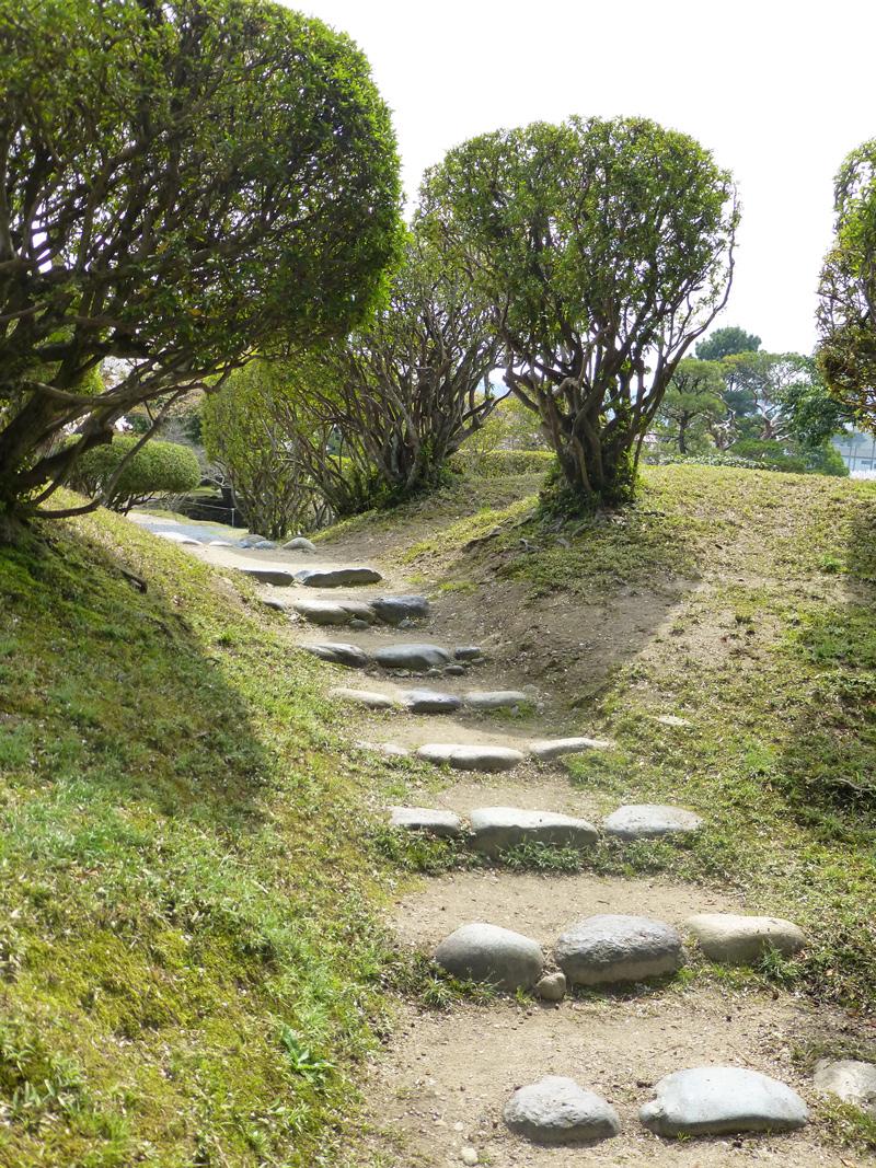 Tsuyama-garden-3b.jpg
