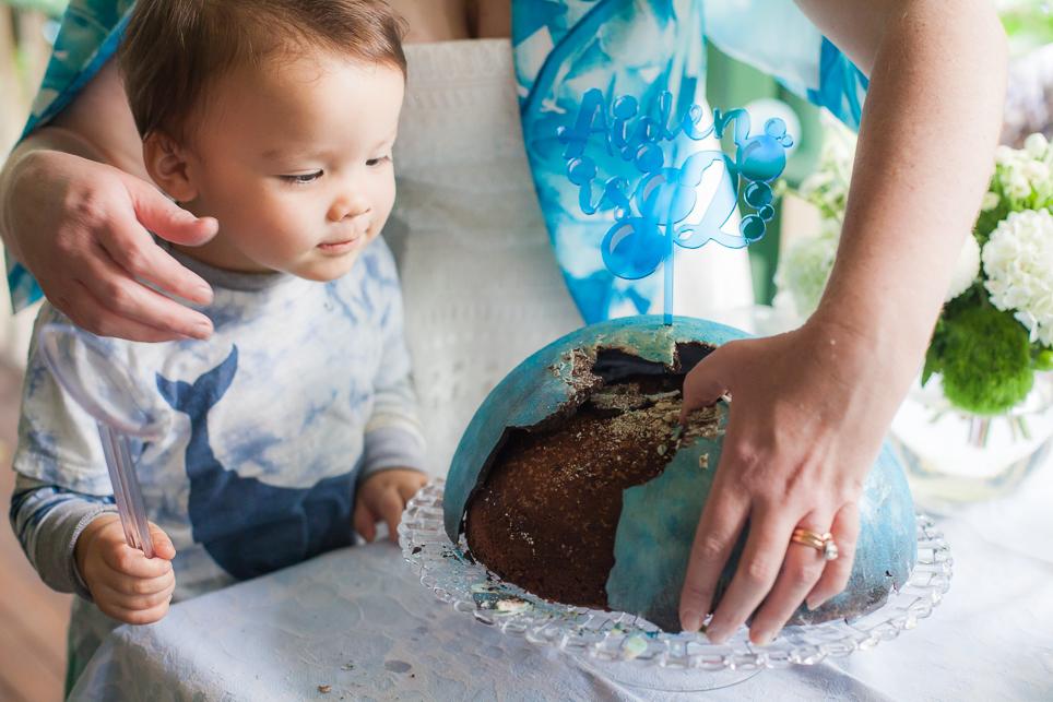 The bubble piñata cake split open.