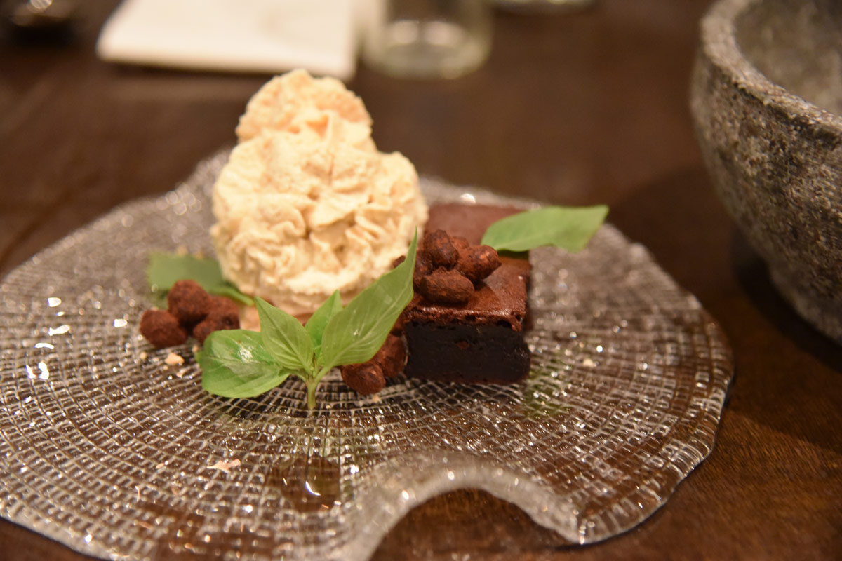 The Snickerz chocolate cake with guala melaka cream was so moreishly delicious.