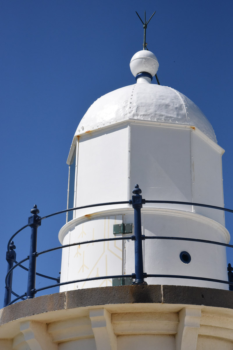 point-tacking-lighthouse-1.jpg