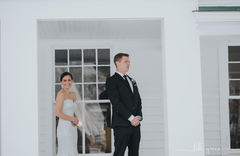 lola-grace-photography-michigan-winter-wedding-cornman-farms-24.jpg