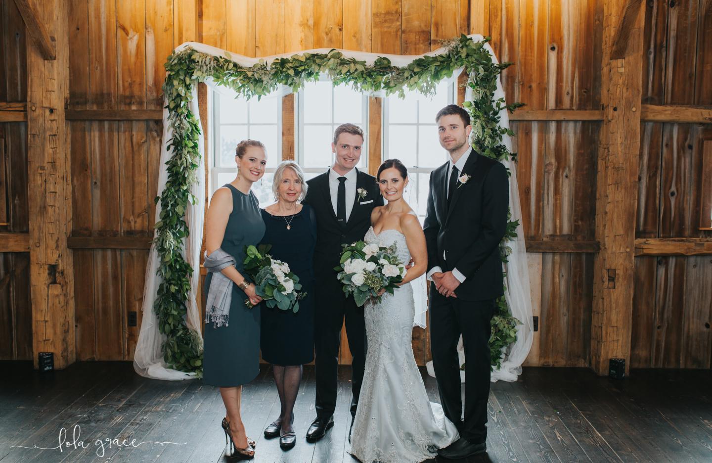 lola-grace-photography-michigan-winter-wedding-cornman-farms-29.jpg