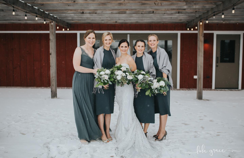 lola-grace-photography-michigan-winter-wedding-cornman-farms-38.jpg