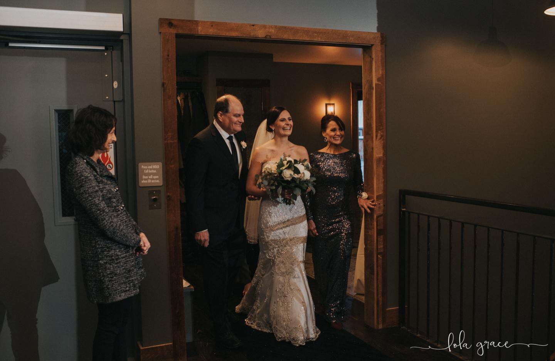 lola-grace-photography-michigan-winter-wedding-cornman-farms-59.jpg