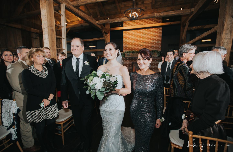lola-grace-photography-michigan-winter-wedding-cornman-farms-61.jpg