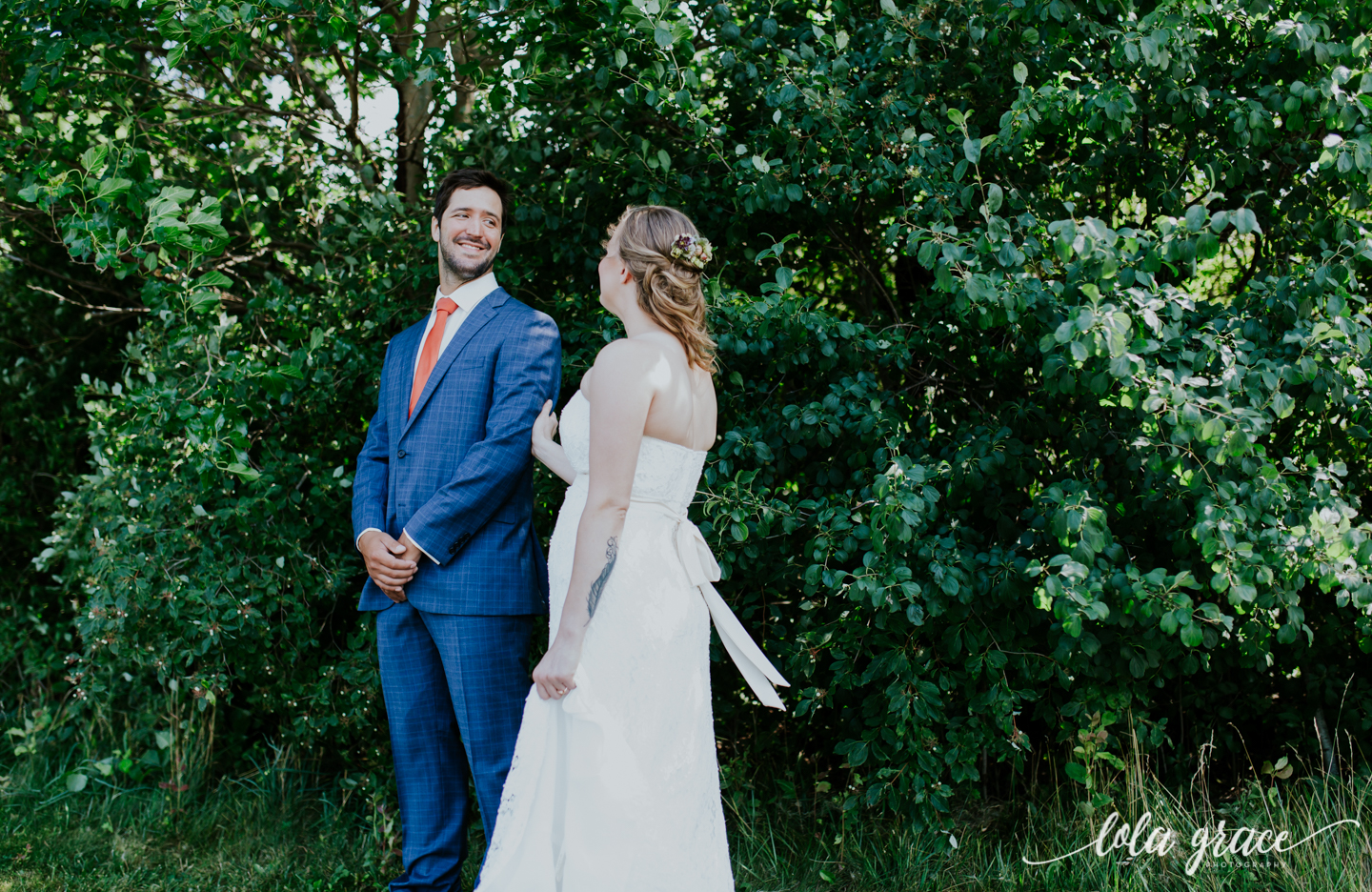 summer-wedding-at-misty-farms-ann-arbor-12.jpg