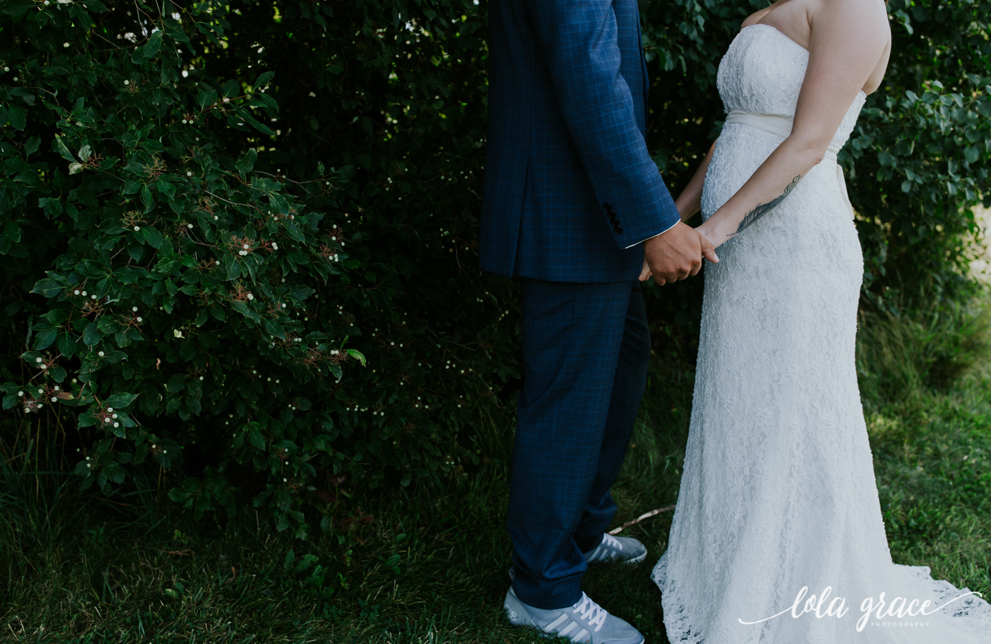 summer-wedding-at-misty-farms-ann-arbor-14.jpg