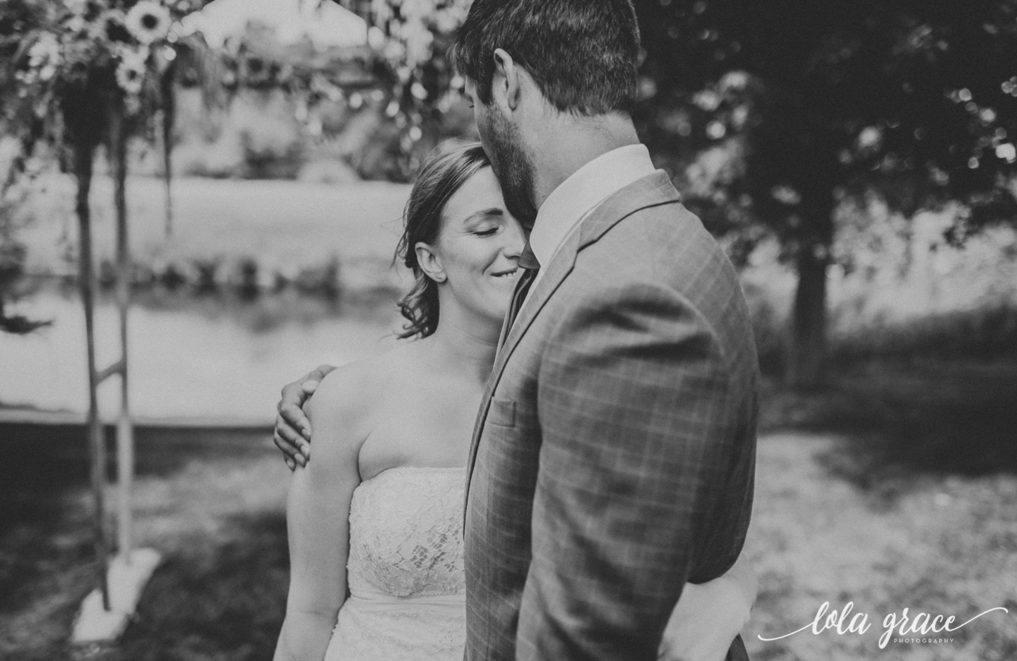 summer-wedding-at-misty-farms-ann-arbor-22.jpg