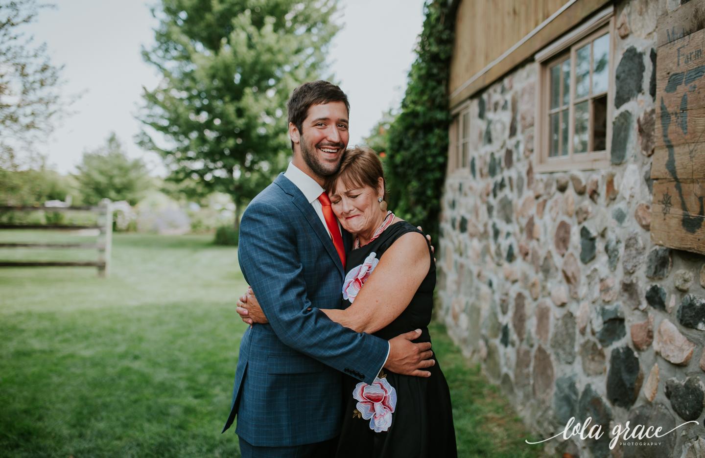 summer-wedding-at-misty-farms-ann-arbor-40.jpg