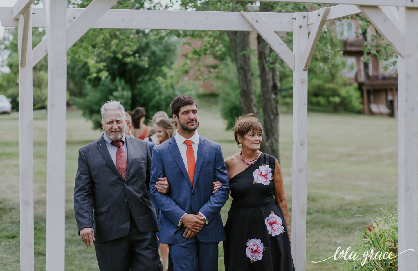 summer-wedding-at-misty-farms-ann-arbor-48.jpg