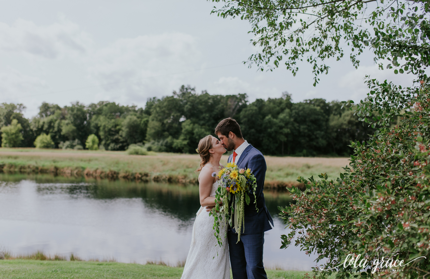 summer-wedding-at-misty-farms-ann-arbor-60.jpg