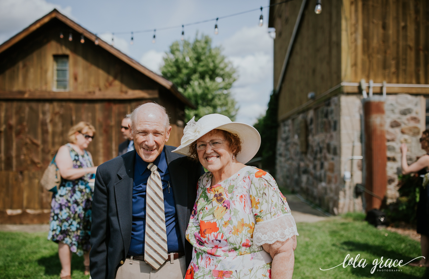 summer-wedding-at-misty-farms-ann-arbor-76.jpg