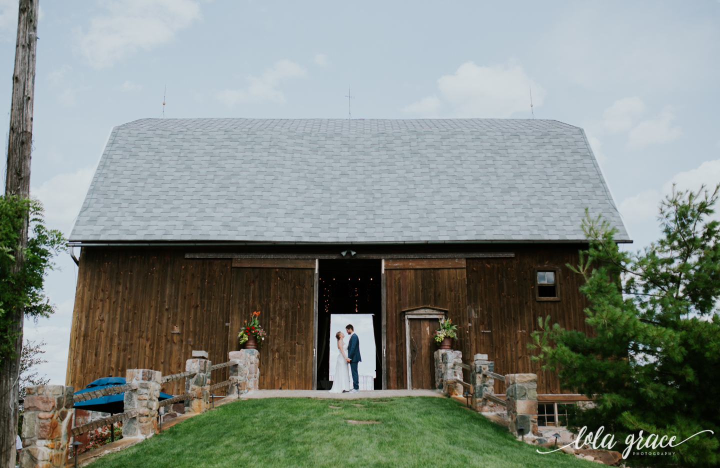 summer-wedding-at-misty-farms-ann-arbor-80.jpg