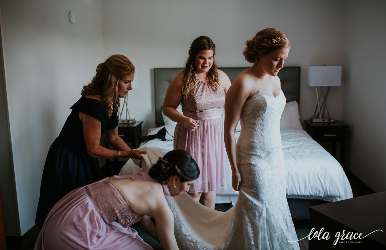 lolagracephotography-fall-ann-arbor-wedding-botanical-gardens-8.jpg