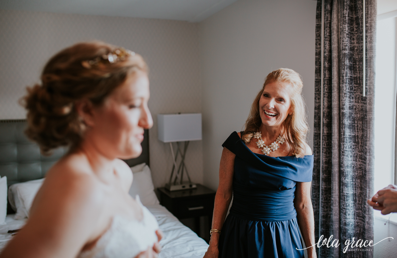lolagracephotography-fall-ann-arbor-wedding-botanical-gardens-10.jpg