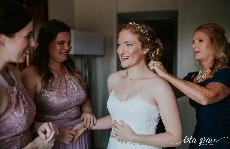 lolagracephotography-fall-ann-arbor-wedding-botanical-gardens-14.jpg