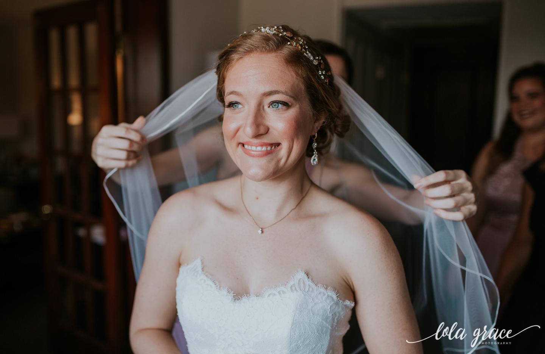 lolagracephotography-fall-ann-arbor-wedding-botanical-gardens-18.jpg
