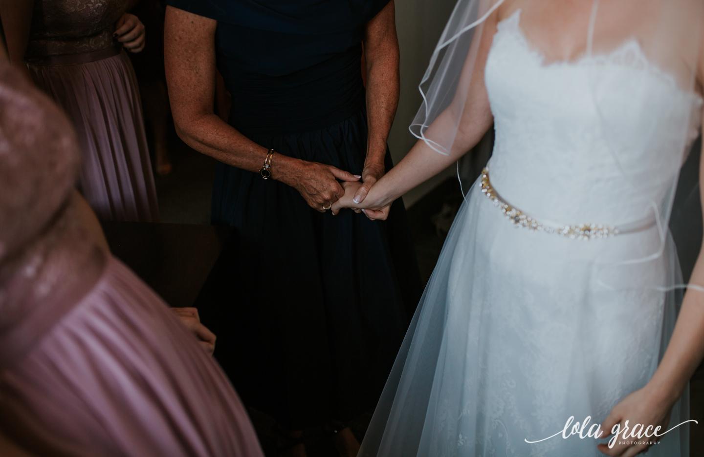 lolagracephotography-fall-ann-arbor-wedding-botanical-gardens-21.jpg