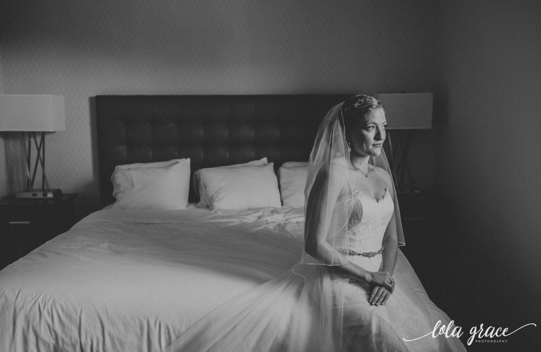 lolagracephotography-fall-ann-arbor-wedding-botanical-gardens-23.jpg