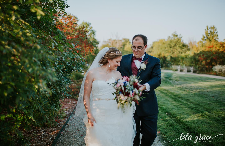 lolagracephotography-fall-ann-arbor-wedding-botanical-gardens-42.jpg