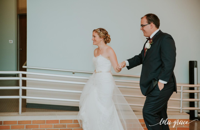 lolagracephotography-fall-ann-arbor-wedding-botanical-gardens-56.jpg