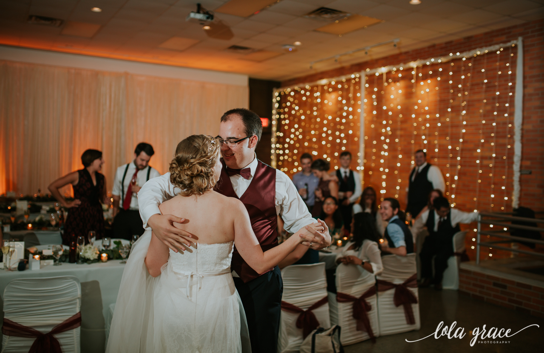 lolagracephotography-fall-ann-arbor-wedding-botanical-gardens-60.jpg