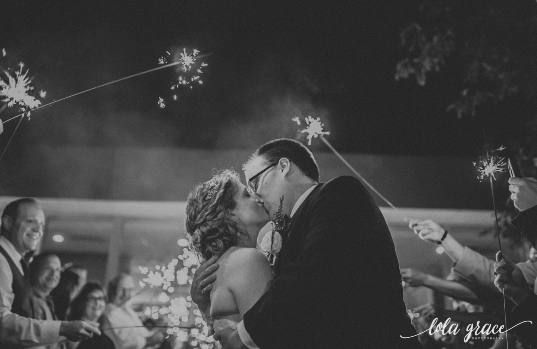 lolagracephotography-fall-ann-arbor-wedding-botanical-gardens-68.jpg