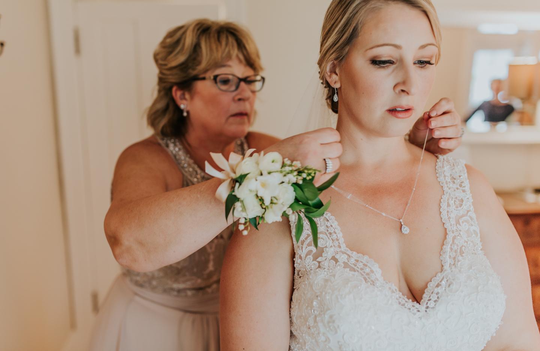 lola-grace-photography-cornman-farms-summer-wedding-35.jpg